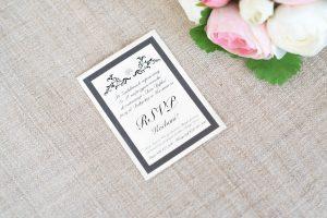 klasyczny model wkładki dla ślubnego zaproszenia