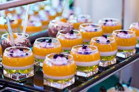 przygotowywanie deserów weselnych